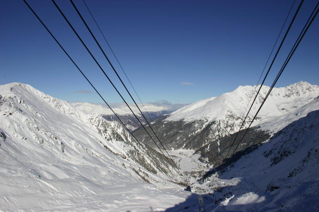 Uitzicht vanaf het bergstation van de Seilbahn.